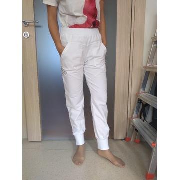 Białe spodnie dresowe rozmiar S  i M