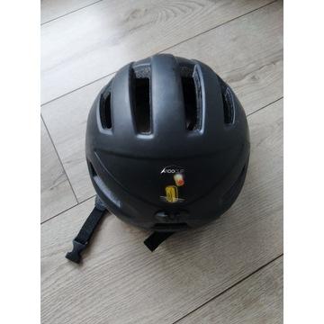 Czarny kask rowerowy b'twin decathlon