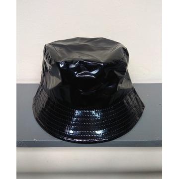 Lakierowany bucket hat czapka kapelusz