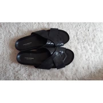 Vagabond 40 skórzane klapki sandały czarne błyszcz