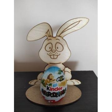 Zajączek Wielkanocny z miejscem na jajko