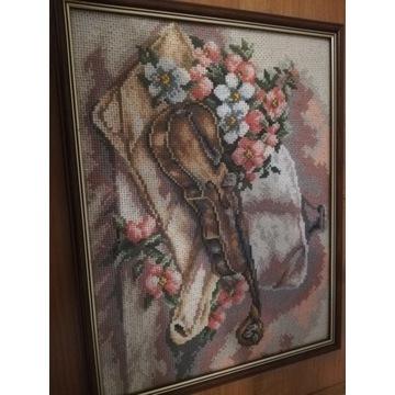 Haft krzyżykowy - Skrzypce z motywem roślinnym