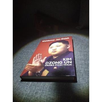 Kim Dzong Un Kronika życia i walki - Dziak. (NOWA)