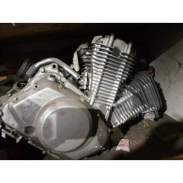 Czesci silnika Suzuki Intruder VS570