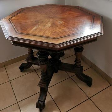 Przepiękny i niespotykany włoski stół  z orzecha