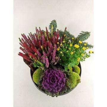 Stroik z żywych roślin. święto,dekoracja,