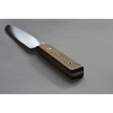 Nóż kuchenny, custom, wykuty ze stali sprężynowej