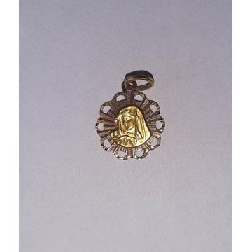 Złoty medalik z Matką Boską dwukolorowe złoto 585