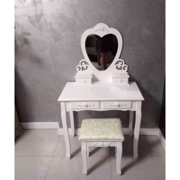 Toaletka kosmetyczna serce HIT