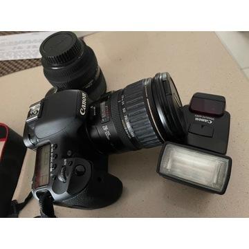 Lustrzanka Canon EOS 7D z obiektywami+ lampa