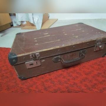 Stara walizka nr 3