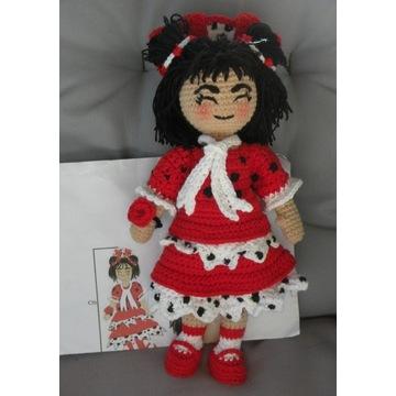 Biedronka lalka amigurumi hiszpańska 25 cm