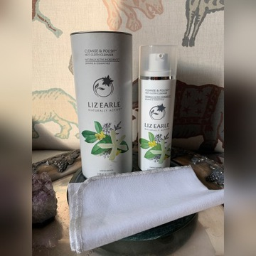 Liz Earle Cleanse&polish