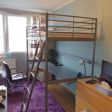 Łóżko z blatem na biurko na antresoli IKEA