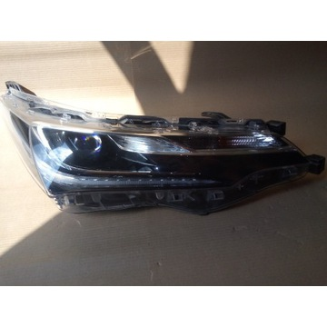 REFLEKTOR LAMPA COROLLA E16 LIFT PRAWA 81110-02L70