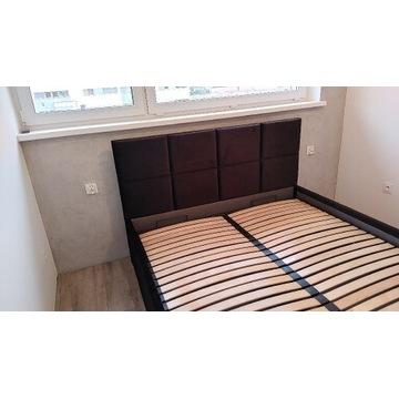 Stylowe łóżko tapicerowane