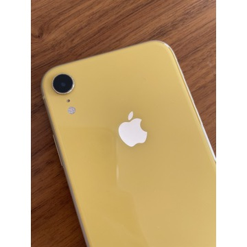 Żółty iPhone XR