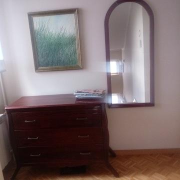 Komoda drewniana z lustrem