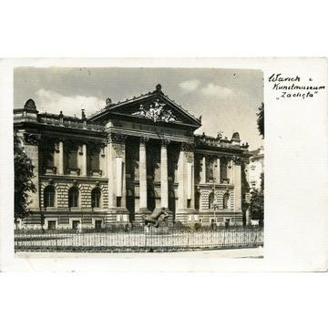 Warschau. Kunstmuseum Zachęta- WARZSAWA.. okupacja