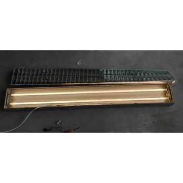 Przemysłowa oprawa oświetleniowa natynkowa AL
