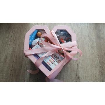 Maxi box zestaw prezentowy ze słodyczami