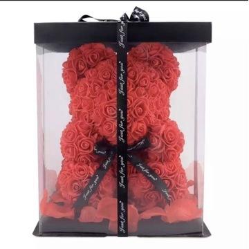Niedźwiedź z róż prezent dla kobiety