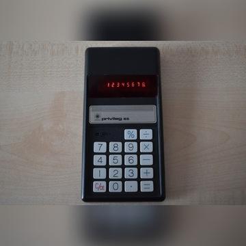 Kalkulator Privileg 85 z 1975 roku.