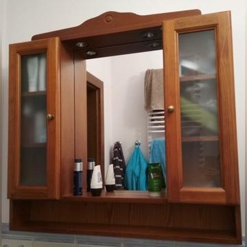 Drewniana szafka łazienkowa Royo lustro lampki