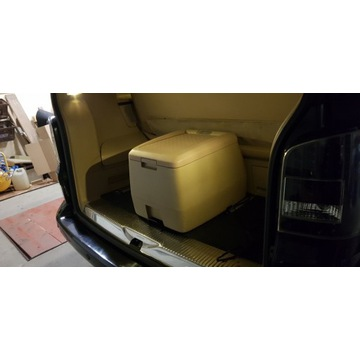 Lodówka do VW Multivan T5/T6 beżowa oryginał