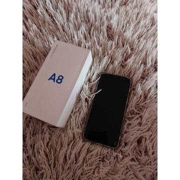 Samsung Galaxy a8 2018 + 5 case / etui