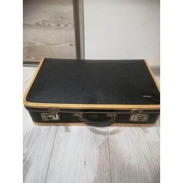 Stara walizka retro czarna