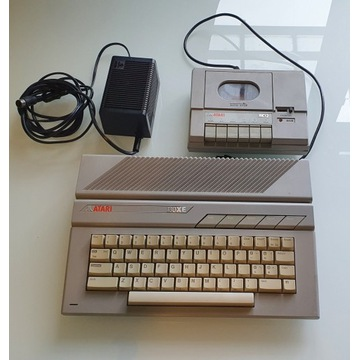 Komputer Atari 130XE - Bardzo ładny, Magnet. XC12