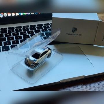 Nowy Oryginalny Pendrive Porsche Macan Turbo