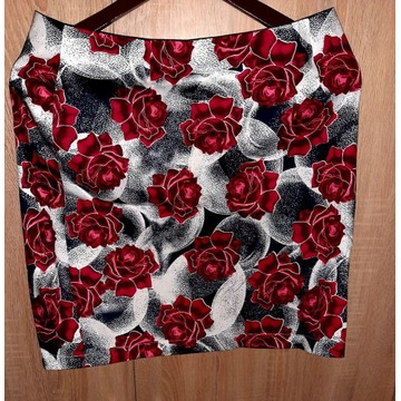 Sliczna spodniczka w roze,kwiaty,bawelniana