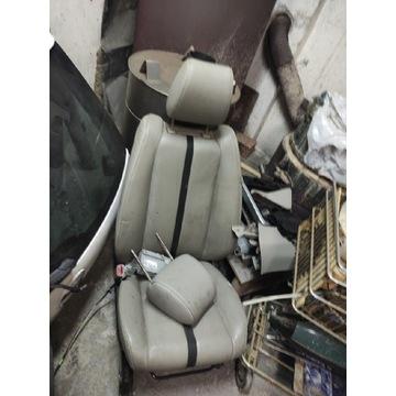 Fotel poszycie KIEROWCY Mazda Cx7 skóra beż IGŁA..