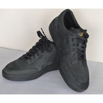Oryginalne sneakersy CLARKS - roz. 40