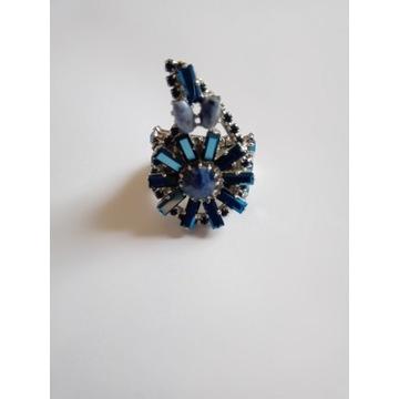 Przepiękny pierścionek marki Otazu