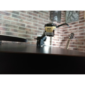 Gramofon REGA PLANAR 3