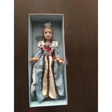 Ręcznie wykonana porcelanowa dziewczynka