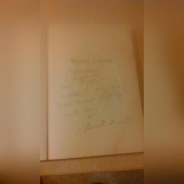 """Książka """"Wiara i Wina"""" Jacka Kuronia z autografem"""