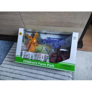 Zabawka farma z traktorem i młynem