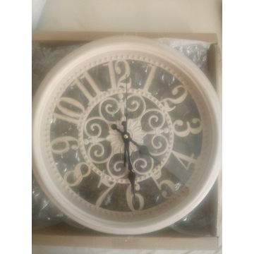 nowy zegar ścienny