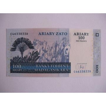 Madagaskar - 100 Ariary - 2004 - P86 - St.1