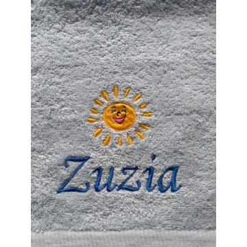 Ręcznik 30x50 z haftem imienia Zuzia upominek