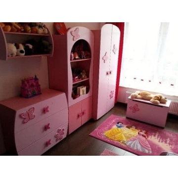 Różowe meble dla dziewczynki