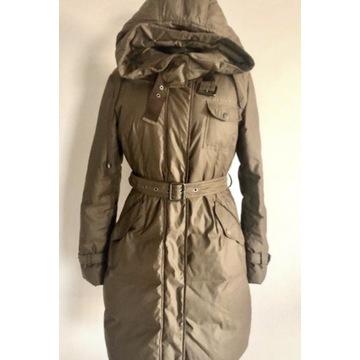 Płaszcz zimowy renomowanej marki w rozmiarze S/M