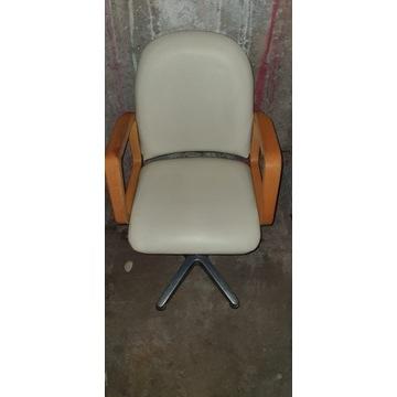 Fotele fryzjerskie i inne WYPOSAZENIE SALONU