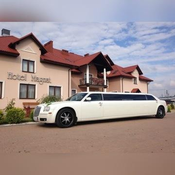 Wynajem limuzyny Chrysler 300c, biała perła