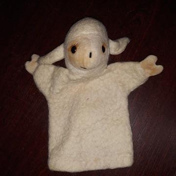 Stara pacynka owieczka owca teatrzyk