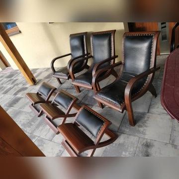 Fotele drewniano - skórzane.